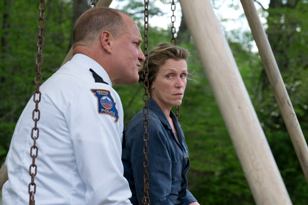 "Woody Harrelson und Frances McDormand als ""Sheriff Bill Willoughby"" & ""Mildred Hayes"" in ""Three Billboards Outside Ebbing, Missouri"" © 20th Century Fox"