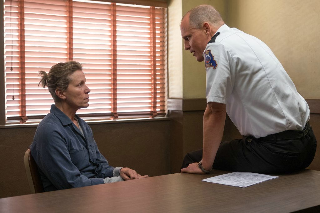 "Frances McDormand und Woody Harrelson als ""Mildred Hayes"" & ""Sheriff Bill Willoughby"" in ""Three Billboards Outside Ebbing, Missouri"" © 20th Century Fox"