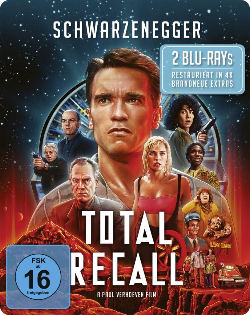 Das Cover zu Total Recall mit brandneuem Artwork zeigt nahezu sämtliche Charaktere des Films. Am meisten ragt der Kopf von Arnold Schwarzenegger heraus, der zentral über das Cover ragt, während der restliche Cast und ein paar Figuren um ihn herum platziert sind.