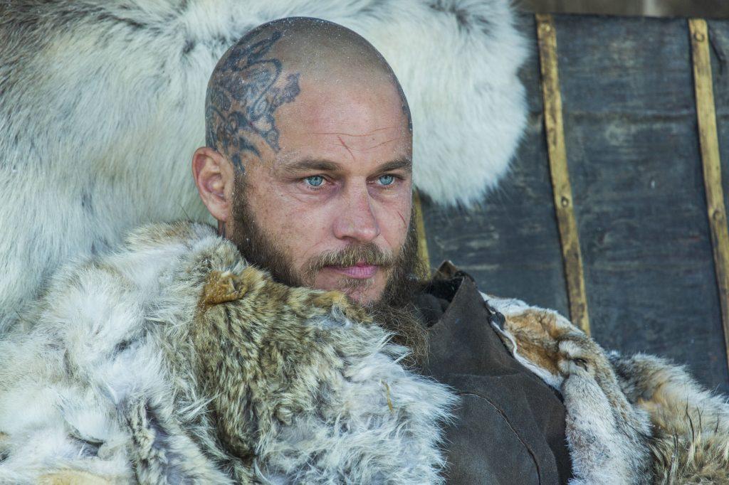 Travis Fimmel, bald zu sehen in Raised by Wolves, hier als Ragnar Lodbrok im Serien-Hit Vikings © MGM 20th Century Fox