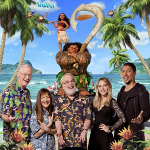 """Von links nach rechts: Regisseur John Musker, Produzentin Osnat Shurer, Regisseur Ron Clements, Lina Larissa Strahl (leiht """"Vaiana"""" ihre Stimme) und Andreas Bourani (spricht """"Maui""""). ©2016 Disney. All Rights Reserved."""
