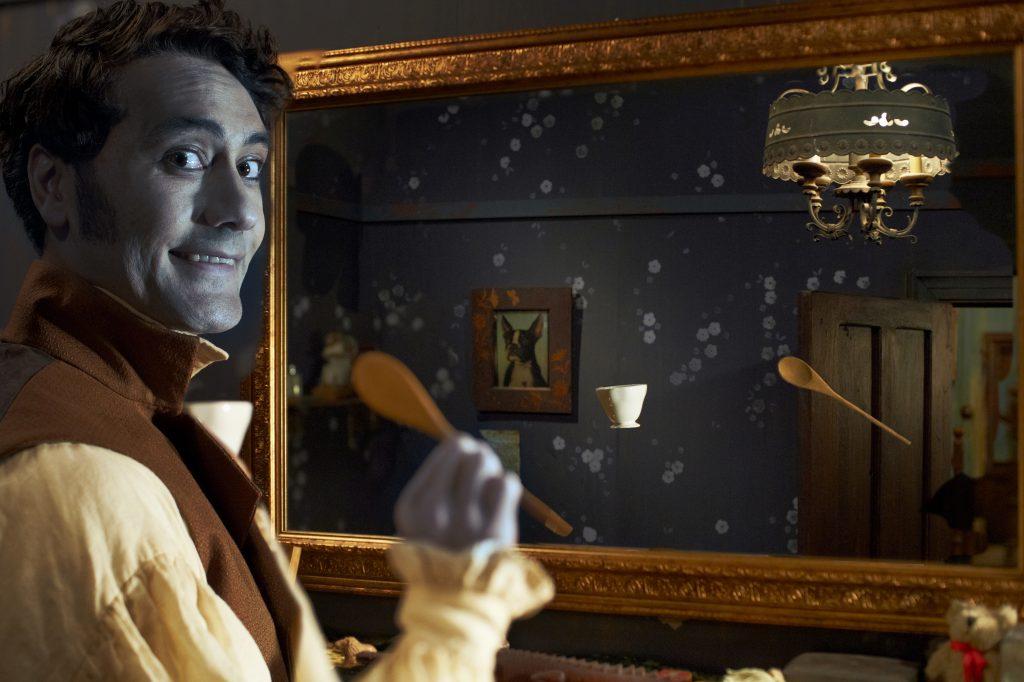 """Viago, 379 Jahre ohne Spiegelbild. Quelle: DVD & Bluray zu """"5 Zimmer, Küche, Sarg""""; © Kane Skennar"""