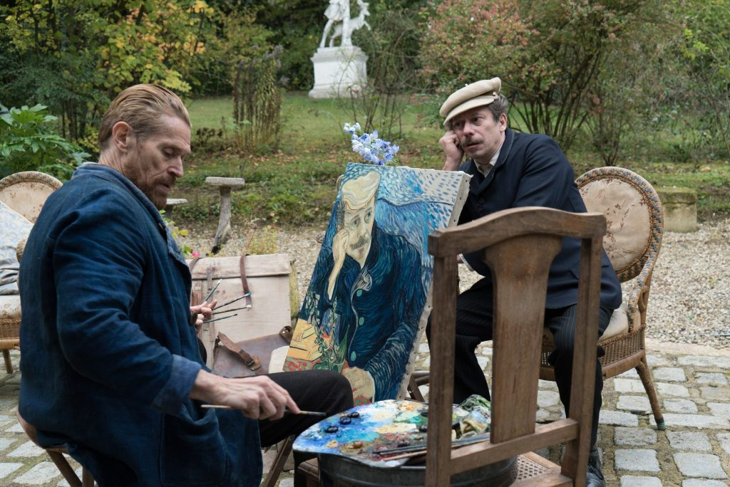Vincent van Gogh (links) malt Doktor Paul-Ferdinand Gachet (rechts, Mathieu Amalric) ©DCM