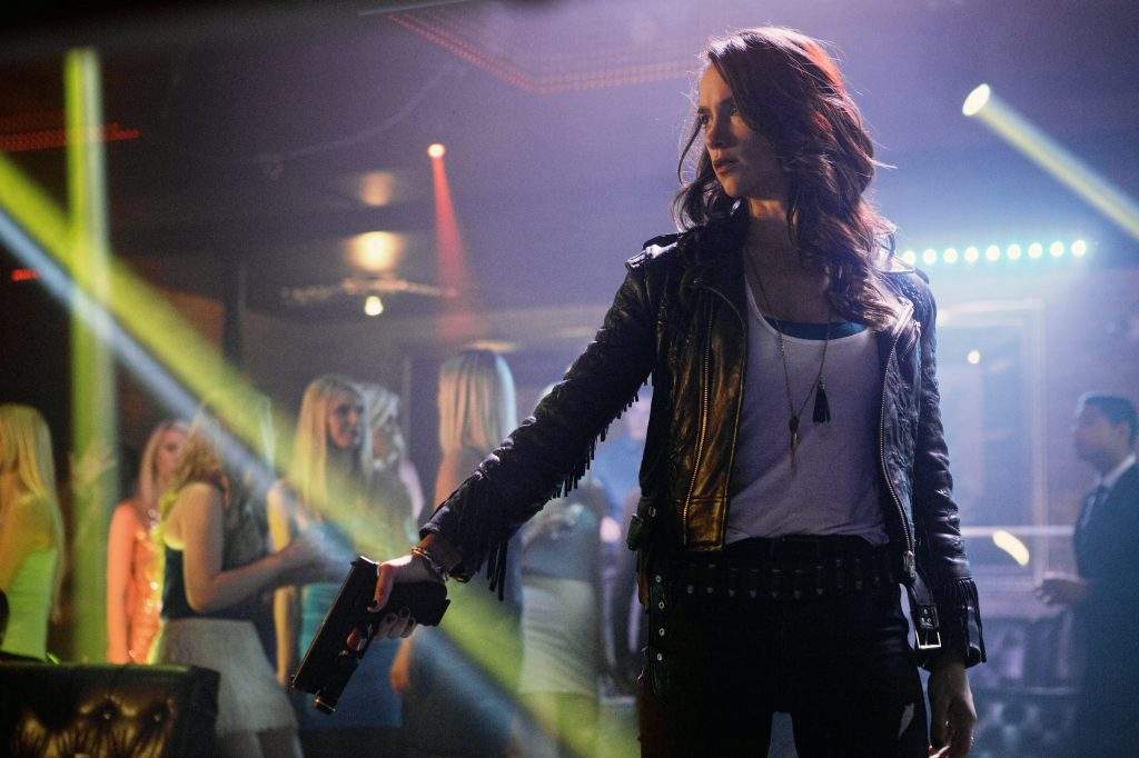 Scene 4 from Wynonna Earp Season 1 © justbridge Entertainment