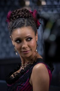 Thandie Newton verführt in Westworld