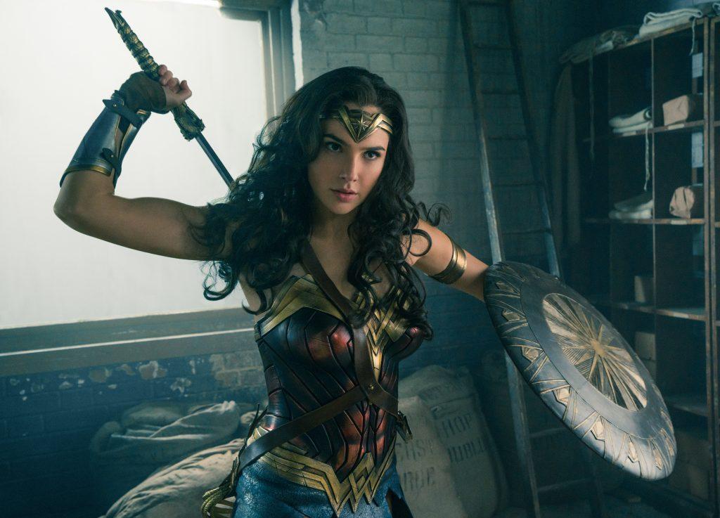 Wonder_Woman_Gal-Gadot-ist-bereit-für-den-Kampf