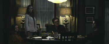 """Familiensitzung mit Toni Colette und Gabriel Byrne in """"Hereditary"""" © Splendid Film"""