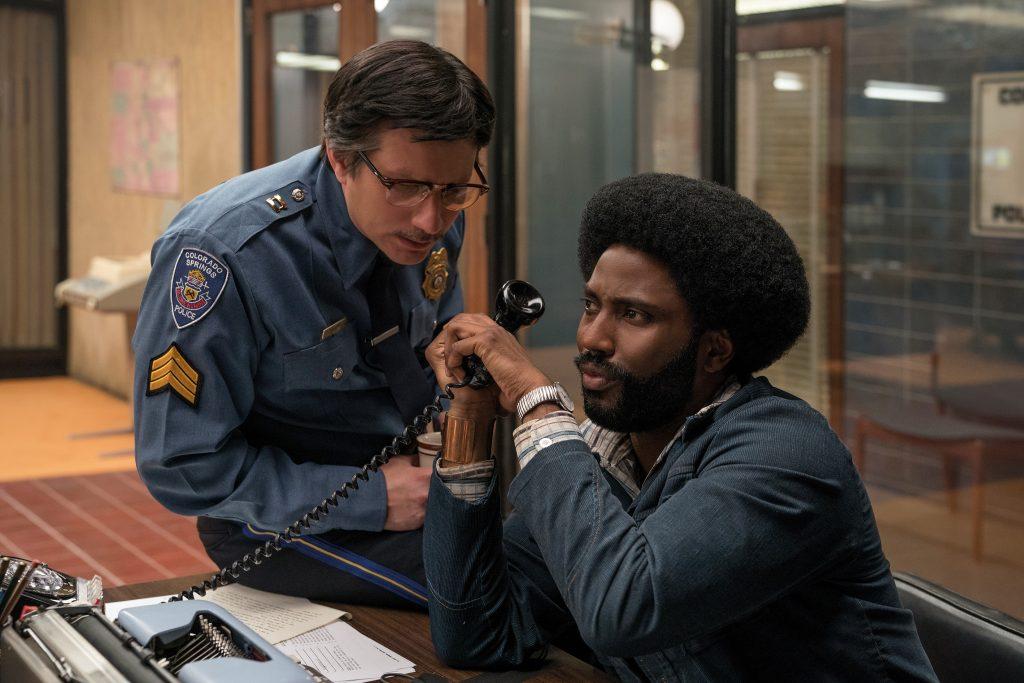 Der Plan geht auf: Ron telefoniert mit dem KKK © Universal Pictures