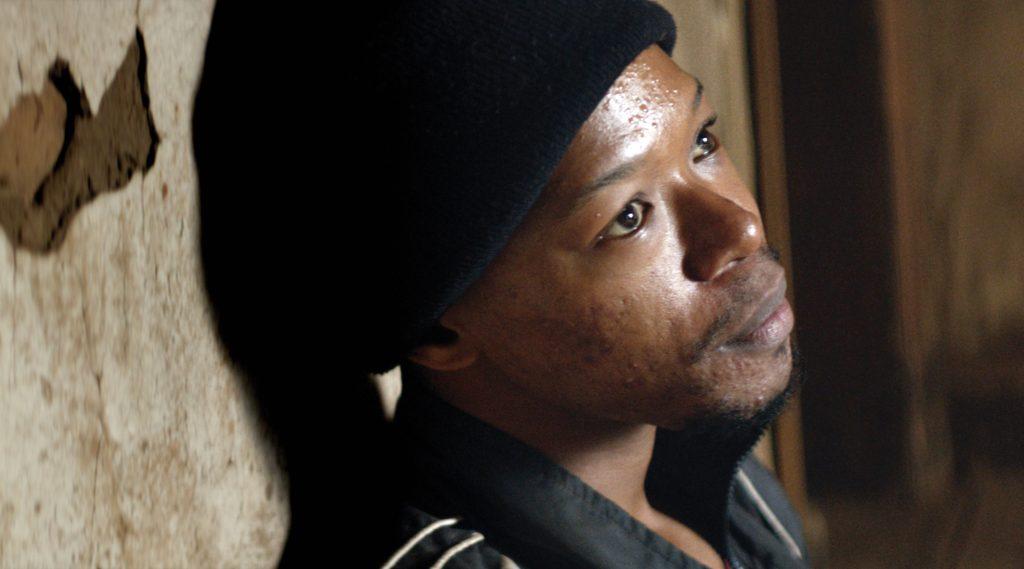 "Nakhane Touré als ""Xolani"" in ""Die Wunde"""