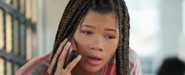 Ashley (Storm Reid) telefoniert mit ihrem Onkel Jack (David Oyelowo) aus der Vergangenheit und kann so ihr Schicksal ändern.