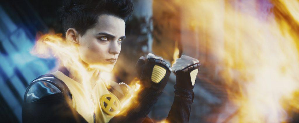 """Die kleine Brianna Hildebrand versucht als """"Negasonic Teenage Warhead"""" cool zu wirken in """"Deadpool 2"""" © 20th Century Fox"""