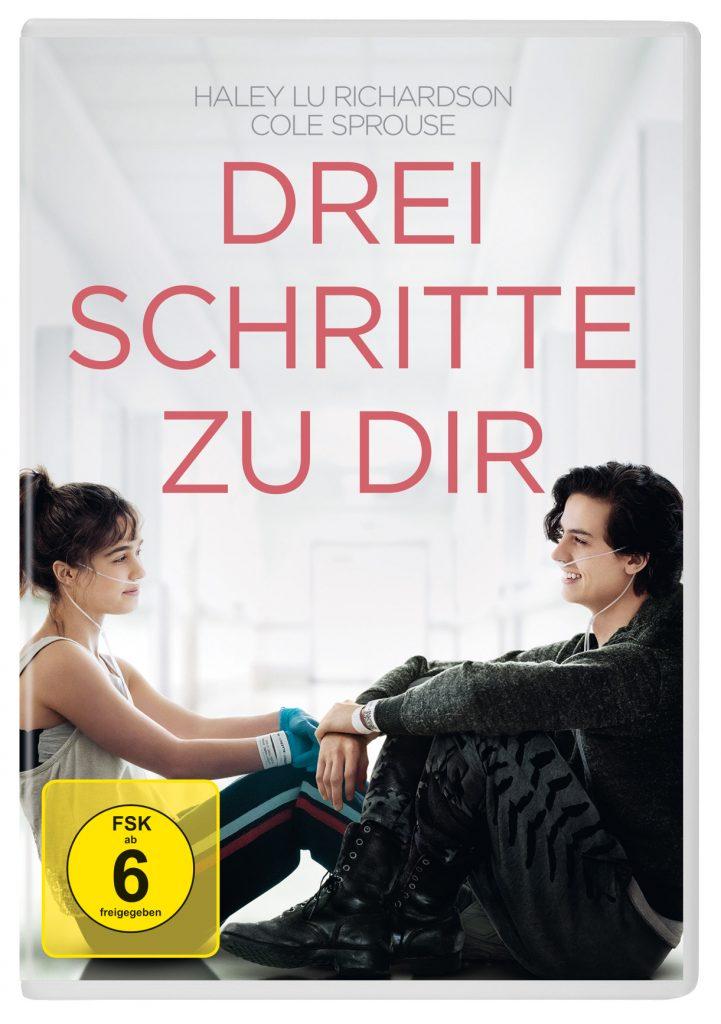 Das offizielle DVD-Cover von Drei Schritte zu dir mit den beiden Hauptdarstellern die sich gegenüber sitzen