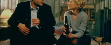 Vince Vaughn als Sheriff und Anne Heche als Beth sitzen gemeinsam auf Sheriffs Bett in Für das Leben eines Freundes