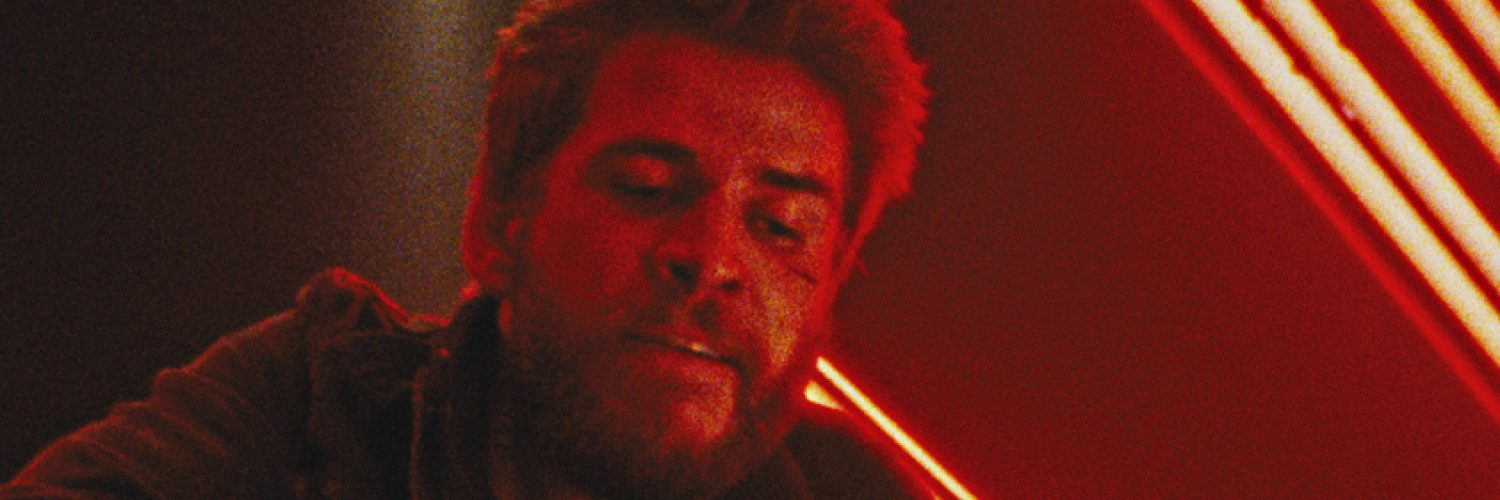Liam Hemsworth ist wütend in Killerman