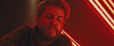 Liam Hemsworth ist wütend in Killerman