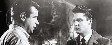 Walter Matthau steht rauchend Elvis Presley gegenüber, Mein Leben ist der Rhythmus
