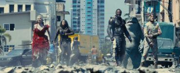 The Suicide Squad in der Erwartung ihres Endgegners.