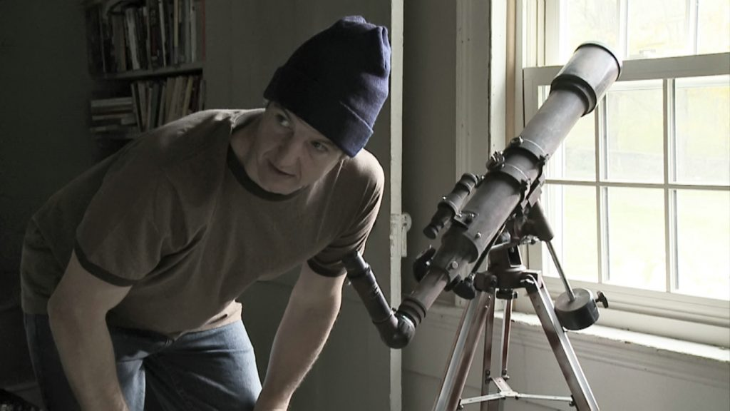 """John (William Mapother) beobachtet die zweite Erde in """"Another Earth"""" ©Fox Searchlight Pictures"""