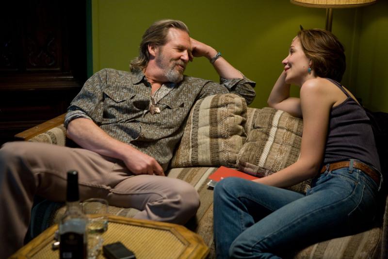 Bad Blake und Jean lernen sich während eines Interviews kennen ©Fox Deutschland