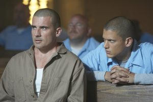 Michael (Wentworh Miller, L) and Lincoln (Dominic Purcell, L) in Prison Break from ©Fox Network