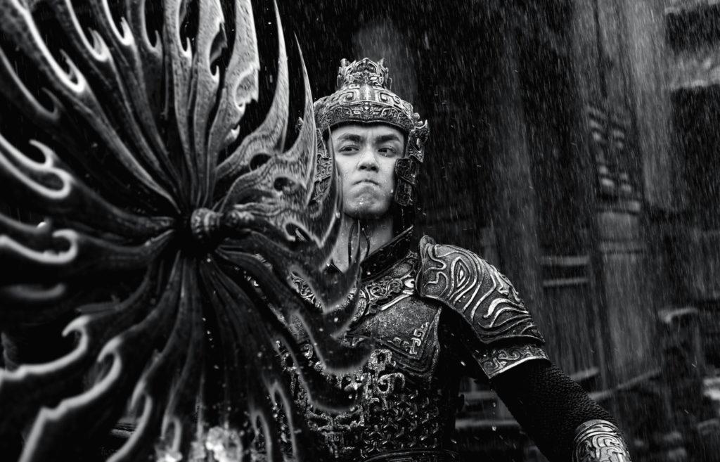 Yang Ping weicht vor einer Klinge zurück, Shadow ©Constantin Film