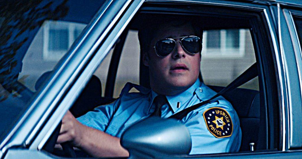 """Ist Polizist Wayne Mackey (Rich Somer) ein Serienkiller? """"Summer of 84"""" © Pandastorm Pictures"""