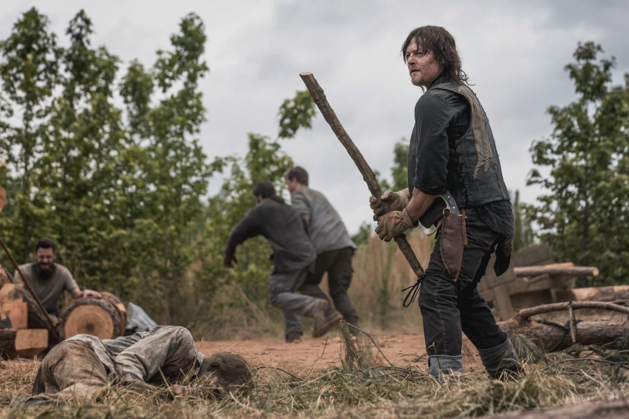 Daryl im Kampf mit den Zombies
