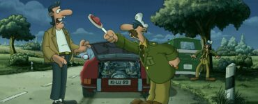 Werner ist als Polizist verkleidet und steht ermahnend vor Holgi und dessen Porsche, Werner - Eiskalt!