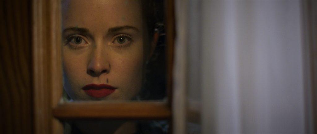 Hinter Jackies (Hannah Emily Anderson) wunderschöner Fassade verbergen sich tiefe Abgründe. © Tiberius Film