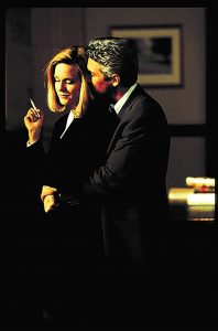 Martin Vail (Richard Gere) und Janet Venable (Laura Linney) in Zwielicht. © Universal Pictures Germany